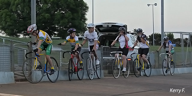 Riders line-up for the junior 5lap scratch race.